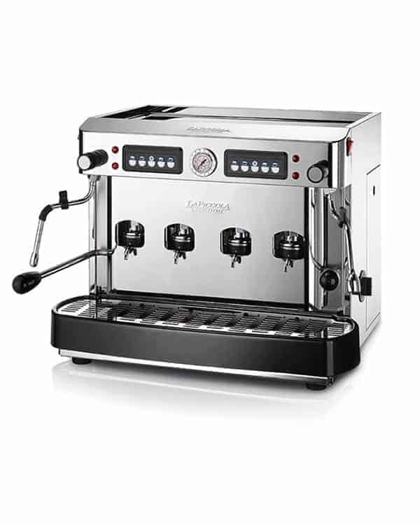 En 4 grupp espressomaskin
